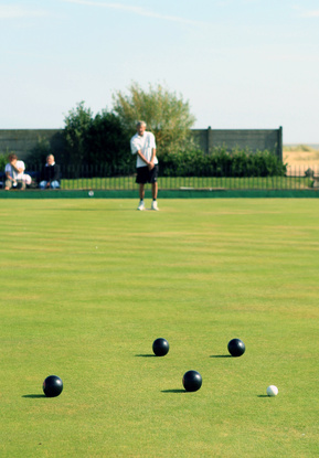 Greenmaster Professional Bowling Green Care 0800 027 6561